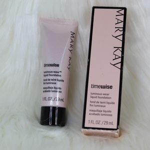Ivory 4Mary Kay Time-Wise Luminous Wear Foundation